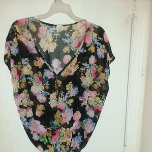 Tops - shear blouse with flowers
